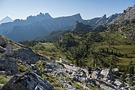 Italy, Friends trekking in the Dolomtes - ZOCF00473