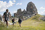 Italy, Friends trekking in the Dolomtes - ZOCF00479