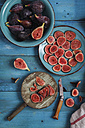 Whole and sliced figs - RTBF00893
