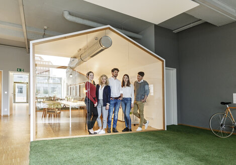 Business team standing in modern office - PESF00667