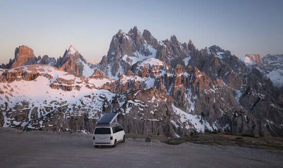Italy, Alto Adige, Dolomites, Camper in front of Cardini Group - STCF00339