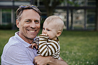 Portrait of happy father with his baby boy - MFF03653