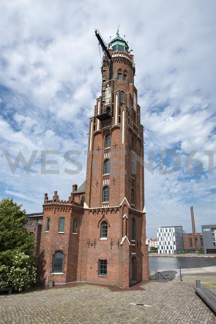 Germany, Bremerhaven, Havenwelten, Simon Loschen lighthouse - ELF01840