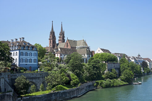 Switzerland, Basel, city view with minster from Wettstein Bridge - HLF01006