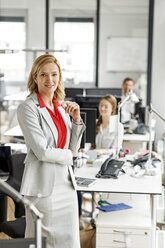 Portait of smiling businesswoman in office - PESF00717