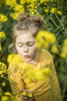 Girl in rape field - MOEF00009