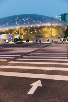 South Korea, Seoul, Dongdaemun Design Plaza by night - GEMF01712