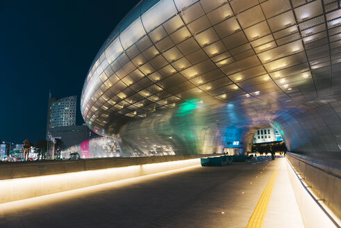 South Korea, Seoul, illuminated Dongdaemun Design Plaza by night - GEM01715