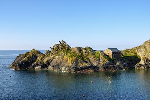 UK, England, Cornwall, Polperro, Chapel Rock and Net Loft - SIEF07448