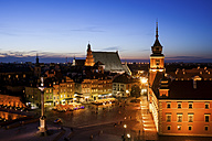 Poland, Warsaw, Old Town at twilight with Castle Square - ABOF00200