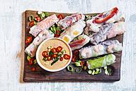 Vietnamese summer rolls with prawns and spicy peanut dip - SBDF03241