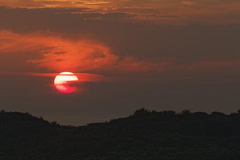 Germany, Mecklenburg-Western Pomerania, Hiddensee, Sunrise over the Baltic Sea - GFF01012