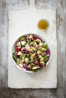 Mixed salad and bread - EVGF03251
