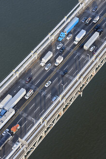 USA, New York City, traffic from Fort Lee across the Hudson River, aerial view - BCDF00284