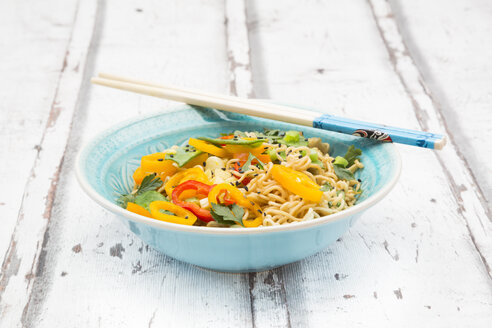 Bowl of mie noodles with vegetables - LVF06230
