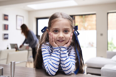 Portrait of smiling little girl at home - IGGF00021