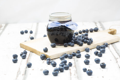 Glass of blueberry jam and blueberries - LVF06248