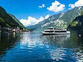 Austria, Salzkammergut, Excursion boat on Lake Hallstatt - AMF05438