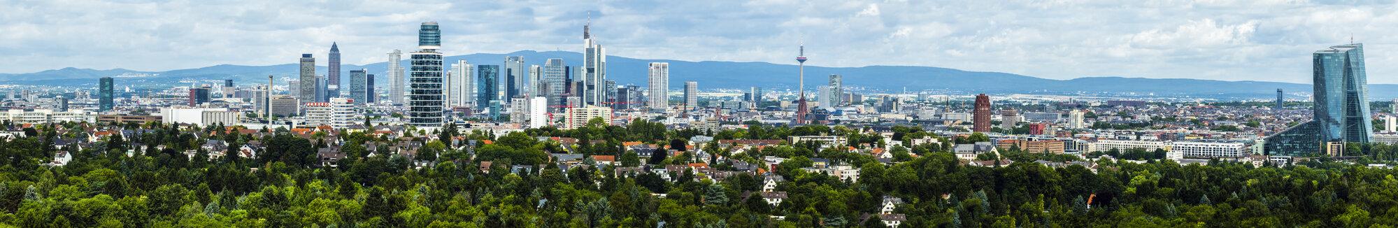 Germany, Frankfurt, skyline - AMF05444