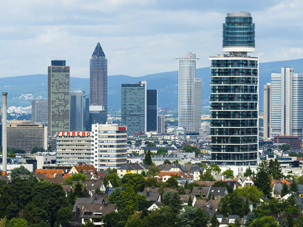 Germany, Frankfurt, view to skyline with new Henninger Tower - AM05447