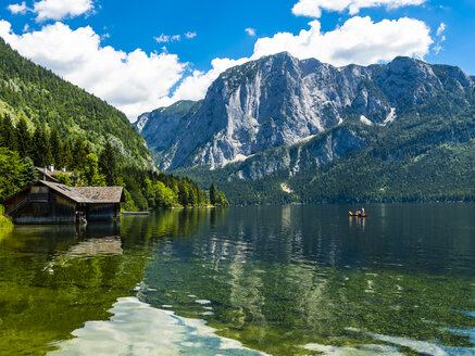 Austria, Styria, Altaussee, boathouse at Altausseer See with Trisselwand at in the background - AMF05453