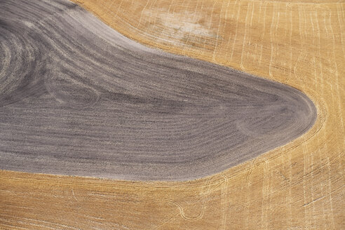 USA, Aerial photograph of contour farming after harvest in Western Nebraska - BCDF00317