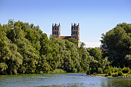Germany, Bavaria, Munich, river Isar and church St. Maximilian - SIEF07476