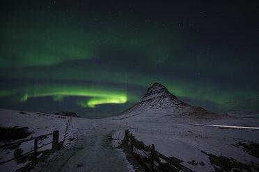 Iceland, Kirkjufell mountain with northern lights - EPF00462