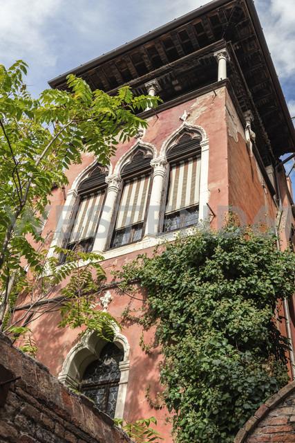 Italy, Venice, building exterior - CSTF01354