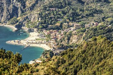 Italy, Liguria, Cinque Terre, bay of Monterosso - CSTF01380