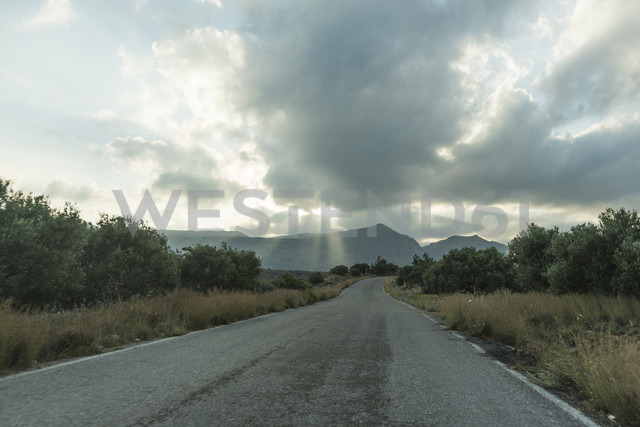 Greece, Crete, empty road - CHPF00423