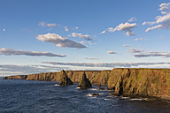 UK, Scotland, Caithness, Coast of Duncansby Head, Duncansby Stacks - FOF09292