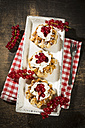 Waffles with low-fat curd, jam and red currants - MAEF12404