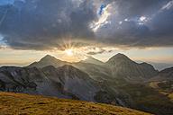 Italy, Abruzzo, Gran Sasso e Monti della Laga National Park, Portella Mountain at sunset - LOMF00612