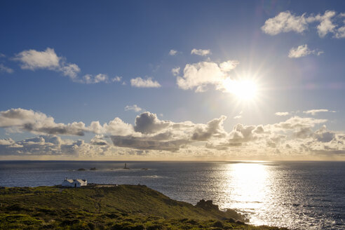 UK, England, Cornwall, Land's End, Longships Lighthouse - SIEF07497