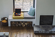 Vintage record player in couch - RIBF00757