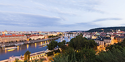 Czech Republic, Prague, cityscape with old town, Mala Strana, Charles Bridge and tourboats on Vltava - WDF04095