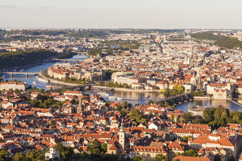 Czech Republic, Prague, cityscape with old town, Charles Bridge and Vltava - WDF04110