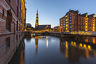 Germany, Hamburg, Speicherstadt, Kleines Fleet with St. Catherine's Church - KEBF00611