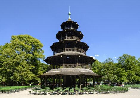 Germany, Munich, English Garden, Chinese Tower and beer garden - SIE07502