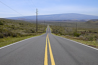 USA, Hawaii, Big Island, empty country road with yellow line - HLF01020