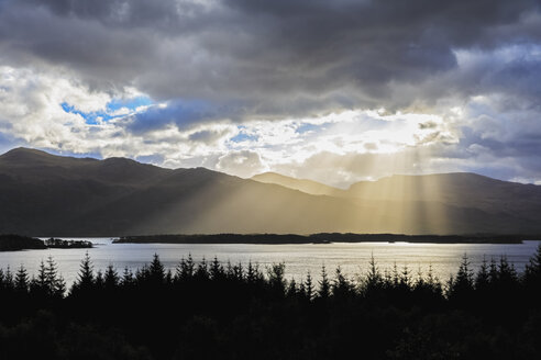 UK, Scotland, view to Loch Maree - FOF09338