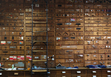wall with wooden drawers, Berlin, Germany - NG00413