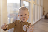 Portrait of happy toddler - KNTF00880