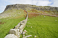 UK, Scotland, Isle of Skye, Neist Point, dry stone wall - CLPF00145
