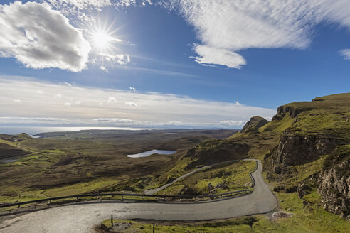 UK, Scotland, Inner Hebrides, Isle of Skye, Trotternish, Loch Cleat, road towards Quiraing, view towards Staffin Bay - FOF09375