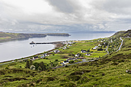 UK, Scotland, Inner Hebrides, Isle of Skye, Trotternish, Uig Bay, Uig - FOF09384