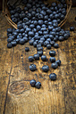 Blueberries on wood - LVF06279
