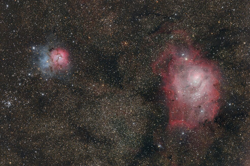 Namibia, Region Khomas, near Uhlenhorst, Astrophoto of emission and reflection nebula Messier 20 (Trifid Nebula) and Messier 8 (Lagoon Nebula) with a telescope - THGF00004