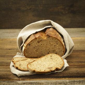Sliced bread in linen cloth - ECF01936